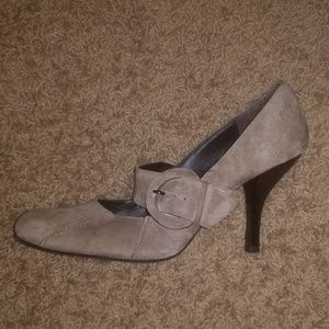 Women's size 10 Pelle Moda shoes